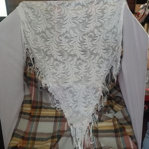 Accessories - White lace, fringed shawl, wrap